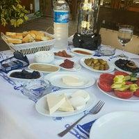 9/15/2016 tarihinde Emre A.ziyaretçi tarafından Olta Balık Restaurant'de çekilen fotoğraf