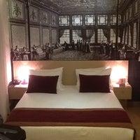 7/1/2013 tarihinde Oğulcan B.ziyaretçi tarafından Cheya Hotel & Suites - BesIktas/Istanbul'de çekilen fotoğraf