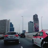 Photo taken at King Taksin Bridge by Ratsadakorn on 9/11/2017