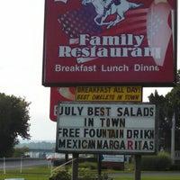 Photo taken at Yankee Doodle Diner by Joseph V. on 7/27/2014