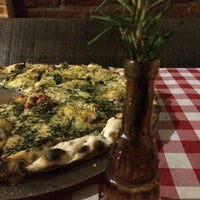 Photo taken at Artezannale Pizzeria by Kelzinha on 7/12/2015