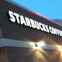 Photo taken at Starbucks by Melissa 🐝 on 8/15/2013