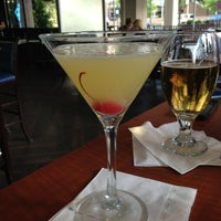 Photo taken at Bigg Blue Martini by Melissa 🐝 on 6/18/2013