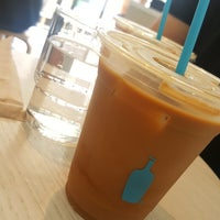 Photo prise au Blue Bottle Coffee par Jessica L. le7/28/2017