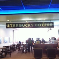 Photo taken at Starbucks by Santi S. on 1/9/2013