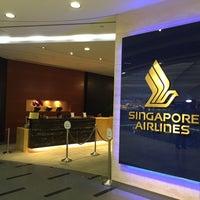 Photo taken at Singapore Airlines Service Centre by Katsunori K. on 4/14/2015