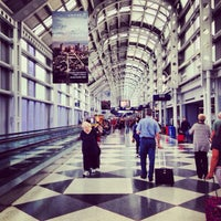 Photo taken at Chicago O'Hare International Airport (ORD) by Eduardo Z. on 10/5/2013