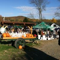 Photo taken at Warwick Valley Winery & Distillery by Rachel G. on 10/20/2012
