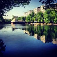 Снимок сделан в Чистые пруды пользователем Dima M. 5/16/2013