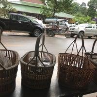 Photo taken at วัดป่าบ้านตาด (วัดเกษรศีลคุณ) Wat Pa Baan Tat by Supattra J. on 6/24/2017