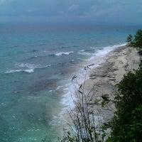 Photo taken at Sumilon Bluewater Island Resort by Chikki M. on 3/17/2013
