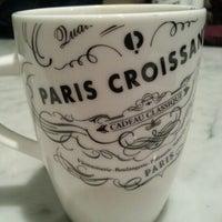 12/9/2012에 Katrina Z.님이 PARIS CROISSANT Café에서 찍은 사진