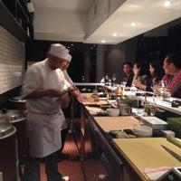 4/30/2015 tarihinde Lauren B.ziyaretçi tarafından Sushi Nakazawa'de çekilen fotoğraf