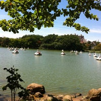 Photo taken at Parque Portugal - Lagoa do Taquaral by Denise D. on 11/18/2012