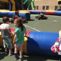 Das Foto wurde bei Manhattan School For Children von David H. am 6/1/2013 aufgenommen