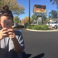 Photo taken at Doug's Burger Den by Mikisan A. on 9/28/2016