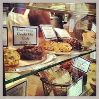 Photo taken at Levain Bakery by Vickie L. on 5/27/2013