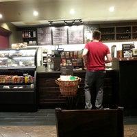 Foto tomada en Starbucks por Ricardo M. el 2/25/2013