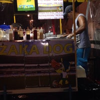 Foto tirada no(a) Zaka Dog por Bárbara O. em 2/7/2014