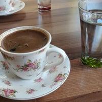 Foto tirada no(a) Gülümse Cafe por Ezgi G. em 9/26/2018