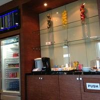 Photo taken at Korean Air Lounge by Daewook Ban on 7/5/2013