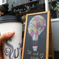 Снимок сделан в Sit & Wonder пользователем thecoffeebeaners 1/21/2013