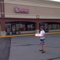 Photo taken at Dunkin' Donuts by Roy H. on 8/10/2013