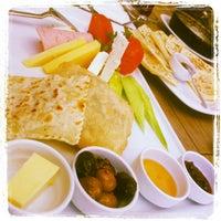 10/6/2012 tarihinde Aykan C.ziyaretçi tarafından Caffe Aşkı'de çekilen fotoğraf