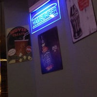 3/1/2014 tarihinde Rafael A.ziyaretçi tarafından V8 Burger & Beer'de çekilen fotoğraf