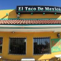 Foto tirada no(a) El Taco De Mexico por Diane M. em 2/16/2013