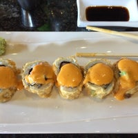 Photo taken at Kobe Japanese Steakhouse & Italian Cuisine (Sake House) by Diane M. on 4/10/2014