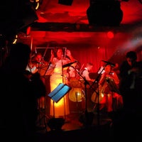 Foto scattata a Manderley Bar at the McKittrick Hotel da Shuichi A. il 5/29/2015
