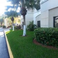 Das Foto wurde bei Hampton Inn & Suites Miami-Doral/Dolphin Mall von T.P. M. am 10/22/2012 aufgenommen