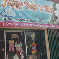 Photo taken at Happy baby n kids by Sri T. on 12/1/2014