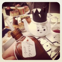 Photo taken at Madhatter's Tea Party by Nicece T. on 4/22/2013
