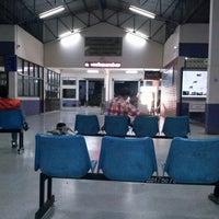 Photo taken at สถานีขนส่งผู้โดยสารจังหวัดเพชรบูรณ์ by คุณชายหนวด . on 3/20/2013