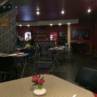 Foto tirada no(a) Naé Pizza Pub por Carlos R. em 8/17/2014