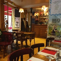Photo taken at Bistrot Beaubourg by Marinellyam on 12/20/2014