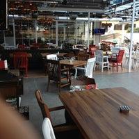 11/23/2012 tarihinde İsmetziyaretçi tarafından KA'hve Café & Restaurant'de çekilen fotoğraf