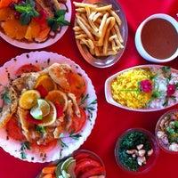 Foto tirada no(a) Restaurante Coqueiros por Vitor L. em 1/19/2014
