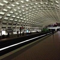 10/14/2012 tarihinde Daniel B.ziyaretçi tarafından Gallery Place - Chinatown Metro Station'de çekilen fotoğraf
