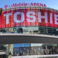 Foto tirada no(a) T-Mobile Arena por George D. em 4/27/2018