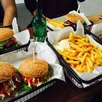 Foto tomada en Beef Brothers por Starbats el 9/28/2015