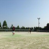 Photo taken at 西公園 テニスコート by Mr.Miaru on 8/16/2013