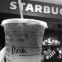 Photo taken at Starbucks by Dinah Q. on 9/29/2013