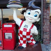 Photo taken at Frisch's Big Boy by Thomas V. on 7/26/2013