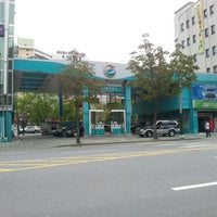 Photo taken at GS Caltex by Yongseok G. on 9/16/2012