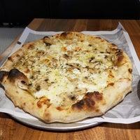 รูปภาพถ่ายที่ Pizzeria Locale โดย Kevin S. เมื่อ 2/13/2017
