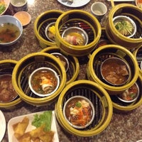 Photo taken at ร้านเจ๊นกติ่มซำ by wtfeng on 3/26/2015