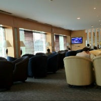 Photo taken at Singapore Airlines Lounge by Venny F. V. on 4/9/2013